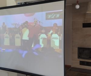 Projekcja filmowa przy kawie w Domu Pomocy Społecznej MBNP