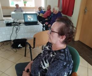 Projekcja filmowa w Domu Pomocy Społecznej MBNP