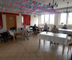 Przeboje z dawnych lat w Domu Pomocy Społecznej MBNP