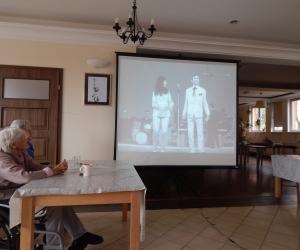 Spotkanie z muzyką z dawnych lat w Domu Pomocy Społecznej MBNP