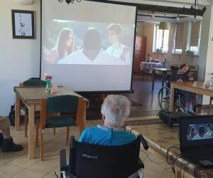 Ziemia Maryi - projekcja filmowa w Domu Pomocy Społecznej